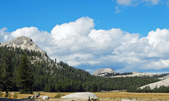 Domes and Clouds, Tuomumne Meadows, Yosemite 2017 (inkknife_2000 (8.5 million views +)) Tags: eastern sierra nevadayosemite national parkcaliforniausalandscapesmountainsdgrahamphotorockstuolumne meadowspringgranitegranite domessky cloudsfluffy cloudssoft hard boulders tuolumnemeadows
