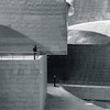 Guggenheim alfresco #1 (The Green Album) Tags: guggenheim museum bilbao spain figure standing viewing platform architecture modern metal aluminium sheets cladding futuristic fujifilm xt2