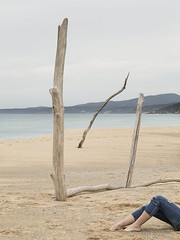 Paesaggio disturbato (nicolamarongiu) Tags: paesaggio piscinas sardegna mare sea sovraesposizione metafisica inverno jeans lady girl gambe