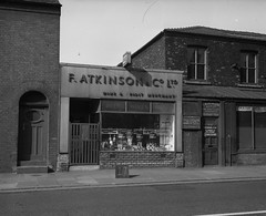 Negative No: 1968-0650 - Negatives Book Entry: 28-03-1968_Estates_Parker Street CPO_View of Property (archivesplus) Tags: manchester england 1960s townhallphotographerscollection shop beer wines