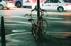 1931/1810: (june1777) Tags: snap street seoul night light kyocera contax n1 carl zeiss n planar nplanar 85mm f14 fuji superia xtra 400 bukchon