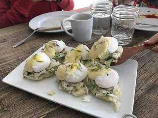 Pop-up lunch, Dungeness crab benedict