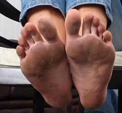 11391542_843189729090235_2036779981993088370_n (paulswentkowski1983) Tags: dirty feet soles filthy pitch black ebony female street city calloused barefoot barefeet
