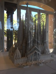 Gaudí House Museum, Barcelona (John Kannenberg) Tags: antoniogaudí gaudí gaudi housemuseum museum house barcelona spain españa güellpark park