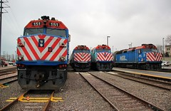 4 40s (BravoDelta1999) Tags: unionpacific up railroad chicagoandnorthwestern cnw railway metra metx northline upn kenoshasubdivision waukegan illinois station yard emd f40ph f40ph2 151 143 166 172