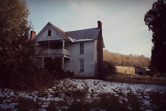 horseshoe house (History Rambler) Tags: old abandoned house home rural mountain south lost forgotten