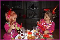 Sanrike und Milina ... (Kindergartenkinder) Tags: silvester kindergartenkinder annette himstedt dolls milina sanrike