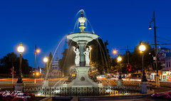 Fountain (Roby Bonnes) Tags: bendigo tourism fountain nightscape night lights water
