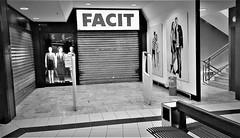 WP_20171220_001 (olivieri_paolo) Tags: supershots shops urban bw