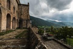 Monasterio de San Pedro de Siresa (Jose Antonio Abad) Tags: joséantonioabad siresa aragón pública paisaje naturaleza lluvia paisajeurbano arquitectura huesca españa es
