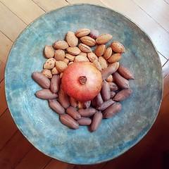 (Catherine...) Tags: ceramic ceramique bowl grenade almonds pecans natureinabowl blue wood mandala square