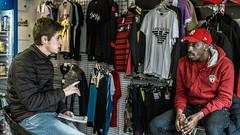 Entretien avec un MC (Fofinho Onimura) Tags: rap magasin vêtements entrevue musique