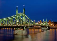Liberty_bridge_Budapest_002 (Dreamaxjoe) Tags: longexposure bridge hosszuzarido szabadsaghid budapest