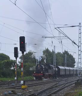 Die Dampflokomotive 78 468 - Preußische T18 - und Waggons