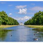 Schloss und Schlosspark Nymphenburg / München thumbnail