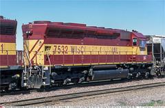 WC7532GB_NFondDuLacWI_300402 (Catcliffe Demon) Tags: railways railroading usa wisconsin cn wc sd45 emd diesellocomotive wisconsincentral canadiannational usatrip1aprmay2002 bn burlingtonnorthern