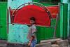 Red and green - Kolkata, India (Maciej Dakowicz) Tags: india kolkata city street portrait green man fujifilmxseries fujifilmxt2