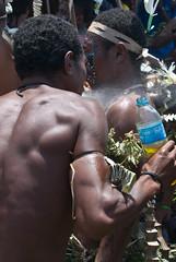 Final shine (Sven Rudolf Jan) Tags: papuanewguinea alotau canoeandkundufestival singsing dancers
