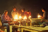 Ganga aarti et Brahmanes Varanasi India (geolis06) Tags: asia asie inde india uttarpradesh varanasi benares gangaaarti cérémonie ceremony puja brahmane hindu hindou hindouiste geolis06 olympus olympusomdem5 omdem5