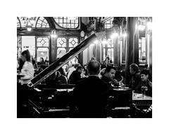 Majestic Café (Francisco (PortoPortugal)) Tags: 2812017 fo20171107fpbo7089m majestic café bw nb pb interiores indoors piano música music porto portugal portografiaassociaçãofotográficadoporto franciscooliveira