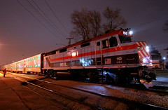 Retro Chicago Commuter Heritage (Jeff Carlson_82) Tags: metra rta metx 100 f40 f40ph bluehour blueisland il illinois heritage commuter chicago train railroad railfan railway nightphotography night wrap