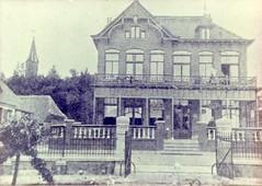 Renkum Dorpsstraat 27 Hotel Remmerde Foto ca 1920 Collectie Ton Delsink (Historisch Genootschap Redichem) Tags: renkum dorpsstraat 27 hotel remmerde foto ca 1920 collectie ton delsink