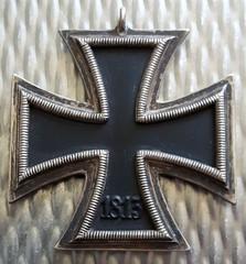 Renkum Schaapsdrift 16 Duits embleem WW2 gevonden 1945 Collectie Henk van Gelder Echos 2017 2 (Historisch Genootschap Redichem) Tags: renkum schaapsdrift 16 duits embleem ww2 gevonden 1945 collectie henk van gelder echos 2017 2