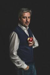 54 (Jesus Solana Poegraphy) Tags: 54 selfportrait selfie autoretrato man senior gentleman apple sin fineartphotography poegraphy