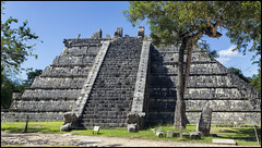 _SG_2017_11_0726_IMG_3813 (_SG_) Tags: mexiko mexico urlaub holiday roundtrip rundfahrt méxico méjico vereinigte mexikanische staaten spain spanish flag united mexican states estados unidos mexicanos chichen itza chichén itzá el castillo yucatec maya yucatan at mouth well