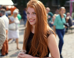 "German girl with cup (e³°°°) Tags: german cup lady girl smile sorria ""redhead day"" rood roodharigendag red retratos rouge ros roodharig rot rothaarig hair redhead days 2017"" ""roodharigendag rhd2017 pelirrojo portrait portraiture posing retrato rosso breda nl woman mademoiselle female femme frau mädchen girls glimlach ginger lach sonrisa sourire valkenbergpark stunning gals women vrouw ragazze красный рыжий ryzhiy pelirroja redhaired mc1r"