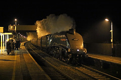 Night time streak (Andrew Edkins) Tags: 60009 unionofsouthafrica a4class lner alfreton railwayphotography travel trip steamtrain cold winter december 2017 people derbyshire england uksteam canon geotagged yorkyuletideexpress mainlinesteam light exhaust speed