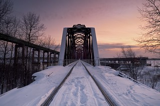 international railroad bridge