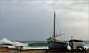En attendant une mer plus calme... (myvalleylil1) Tags: france var méditerranée tempête mer ramatuelle vagues