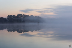 Brume matinale (MLG - photographies) Tags: bretagne centrebretagne lac brume aube