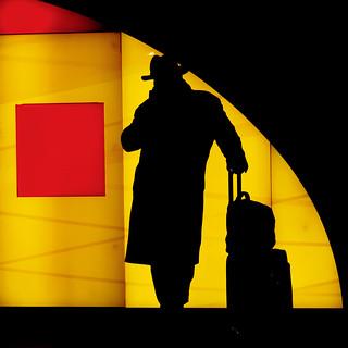 olY/321 .. backlit traveller!