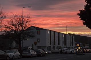 Winter sunset: Riverside, Cardiff, Wales / Machlud haul trawiadol, Glanyrafon, Caerdydd