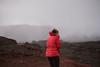 Rücken zum Wind! (Plaine des Sables, La Réunion) (Filotte) Tags: laréunion vulkan volcan pitondelafournaise tropen frieren plainedessables indischerozean 974 france dom mondlandschaft wüste lunar mars mond hochebene sturm nebel grau vulkanlandschaft tropeninsel