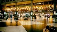 台北車站 - 星期五 Taipei station - Friday (葉 正道 Ben(busy)) Tags: taipeistation taipei station people 人 商店 store 台灣 taiwan train 火車