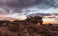 Higger Tor boxing Day 2017 (Twiggy's Photography) Tags: cloudsstormssunsetssunrises higger tor sun burst alan twigg derbyshire peakdistrict winter snow cold canon 6d 1635mml