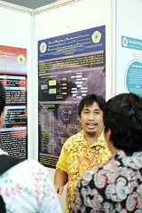 Osman Sianipar presents his poster (International Conference on Health Sciences) Tags: international health sciences ichs 2017 yogyakarta indonesia eastparc universitas gadjah mada bpp ugm badan penerbit publikasi medicine medical research researcher speaker emerging reemerging infectious disease tropical neglected sexually transmitted drug resistance technology clinical presentation conference annual ichs2017