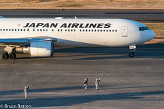 171226 HND-FUK-04.jpg (Bruce Batten) Tags: people shadows locations aircraft hnd automobiles tokyo airports subjects honshu buildings transportationinfrastructure vehicles reflections japan airplanes businessresearchtrips trips occasions