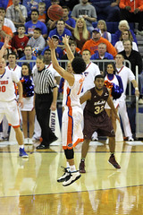 IMG_8412a The first half ended on a Chris Chiozza buzzer-beating 3-pointer, his first career 3-pointer (dbadair) Tags: gatorssecodomegainesville2014ulm florida unitedstates uf gators sec basketball ncaa o'connell center gainesville