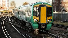 377625 (JOHN BRACE) Tags: 2012 bombardier derby built class 377 electrostar 377618 southern livery east croydon station