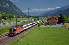 IC 928 @ Flums (Wesley van Drongelen) Tags: sbb cff ffs schweizerische bundesbahnen chemins de fer fédéraux federaux suisses ferrovie federali svizzere swiss federal railways re 420 re420 44 ii 11133 express intercity ic flums trein train zug