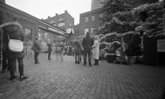 (facenorth) Tags: holga120wpc ilfordhp5plus400 120film mediumformat pinholephotography pinholecamera longexposure toycamera lomography lomo analog bw blackandwhite selfdeveloped scan negative kodakhc110 toronto christmasmarket distilerydistrict filmisnotdead ishootfilm explored explore