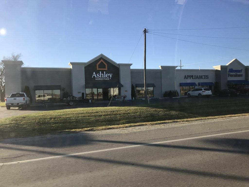 Ashley Store At Missouri Furniture (Jayrod2002) Tags: Kirksville Missouri Mo  Ashley Furniture Store