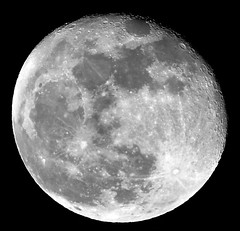 Full Moon - Waning Gibbous 95% - Taken at 8.05pm 03-01-18 (Ian J Hicks) Tags: