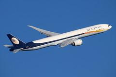 VT-JEK (IanOlder) Tags: jet airways boeing 777 vtjek 35165 triple seven aircraft airliner civil aviation heathrow 9w119 777300