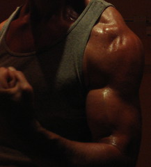 BIG BULGING BICEPS (flexrogers963) Tags: biceps muscle muscular thich bodybuilder flex hardbiceps peak roundbiceps baseballbiceps bicep bizeps muscles mondo veins bodybuild bodybuilding bodyboulder big workout fit fitness chest pecs abs exercise gym huge hugebiceps gross ripped