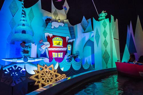 """it's a small world"" holiday - Disneyland"